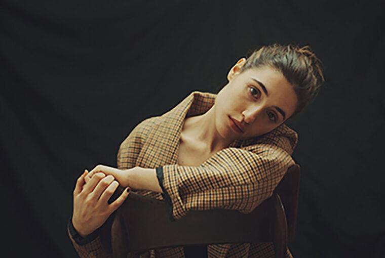 Red-Carpet-Magazine-Angela-Fontana-01