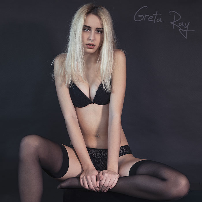 Greta-Ray-Redcarpet-Magazine5